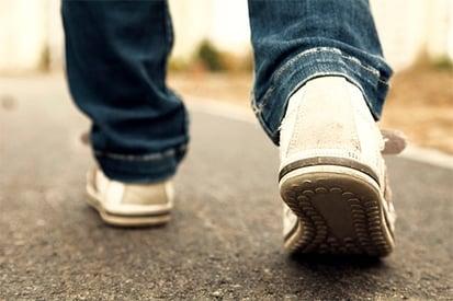 limb-lengthening-surgery-walking.jpg