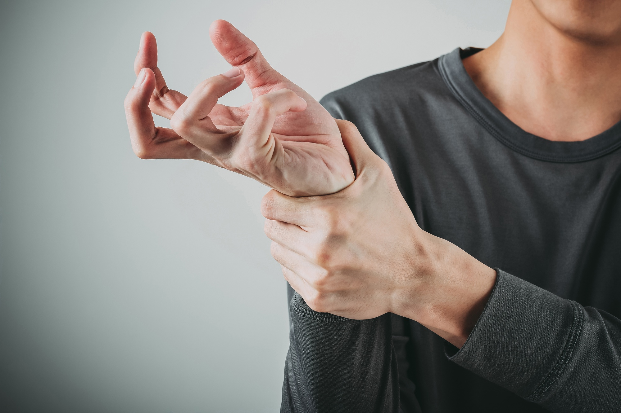 man wrist pain carpal tunnel syndrome orthopedic pain care treatment PRP therapy .jpg