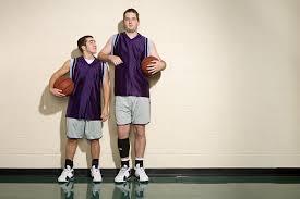 height-lengthening-sports-short-tall-man.jpg